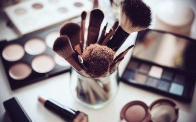 Se maquiller le visage : notre routine quotidienne