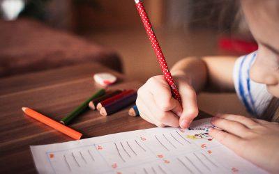 8 conseils pour aider mon enfant à apprendre ses leçons facilement.