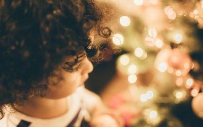 Prendre soin des cheveux bouclés des enfants