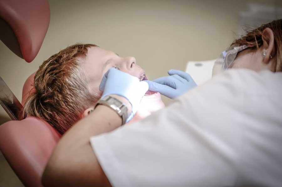 Les conditions pour se rendre chez votre dentiste